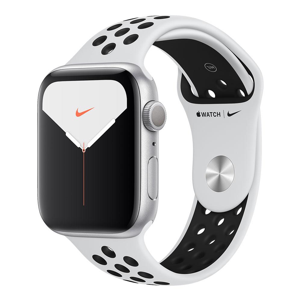 Apple Watch Nike+ Series 5, 44 мм, корпус серебристого цвета, ремешок Nike цвета чистая платина/чёрный